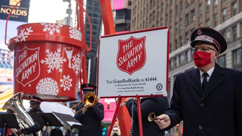 Una cubeta de donación de Salvation Army.